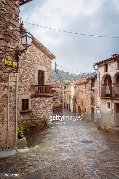 Spain, Catalonia, Mura, alley in medieval old town