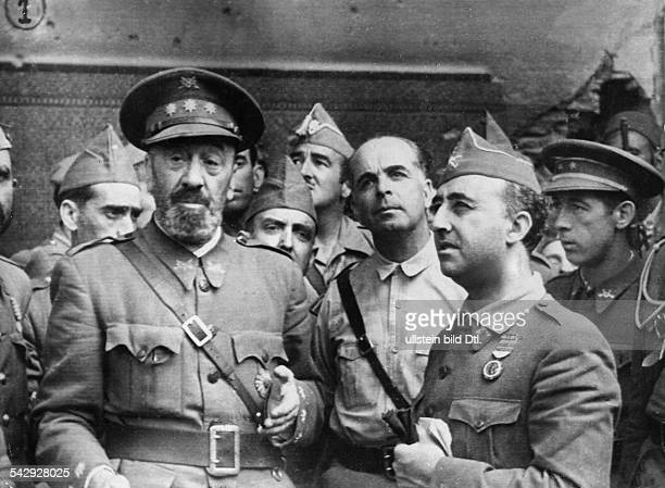 Spain civil war Besiege of the Alcazar of Toledo Arrival of generalissimo Francisco Franco after the relieve of the nationalist troops On the left...