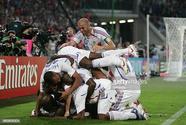 Spanien Frankreich 13 Spain France Jubel Frankreich mit Zinedine Zidane nach dem 21 von Viera FIFA Fußball Weltmeisterschaft 2006 in Deutschland...