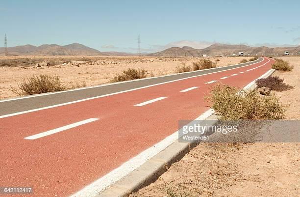 Spain, Fuerteventura, footpath and bicycle lanes