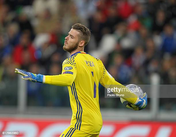 Spain goalkeeper David De Gea in action during the FIFA 2018 World Cup Qualifier between Italy and Spain at Juventus Stadium on October 6 2016 in...
