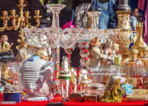 spain, madrid, el rastro flea market - antiquities - oudheden stockfoto's en -beelden
