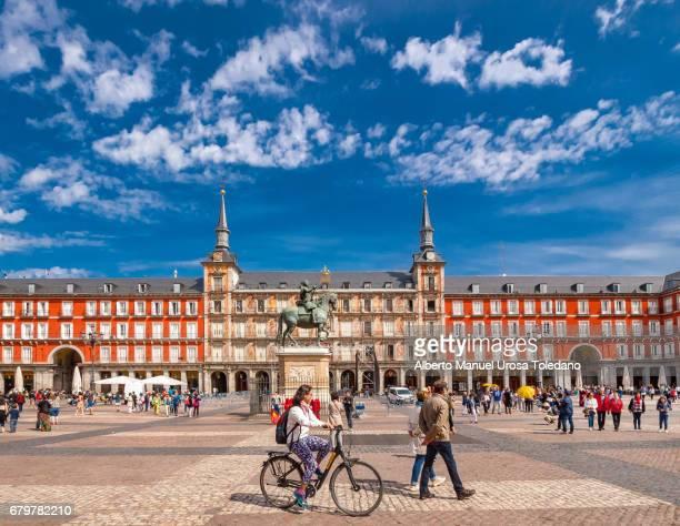 Spain, Madrid, Plaza Mayor square - Panaderia House and Philip III