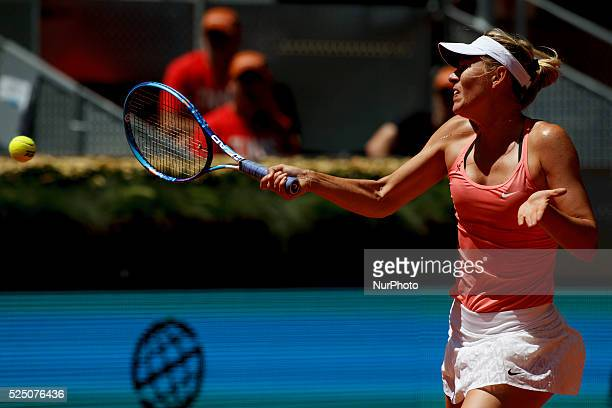 Russian tennis player Mar��a Shar��pova returns the ball to Colombian tennis player Mariana Duque during the Madrid WTA Masters Series Tournament...