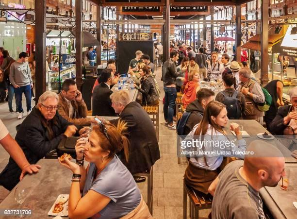 spain, madrid, san miguel market - citylife - multiculturalismo foto e immagini stock