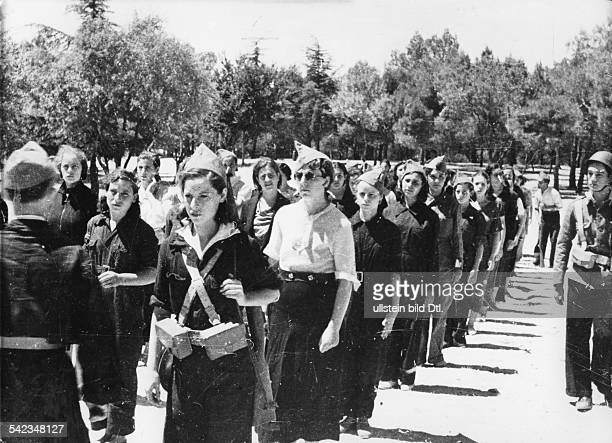 Spain Madrid Spanish Civil War Roll call of members of the Republicans' new women's militia August 1936 Vintage property of ullstein bild