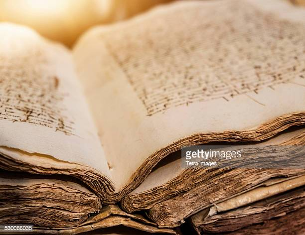 spain, mallorca, library in monastery, valldemossa, ancient manuscript - history stock-fotos und bilder