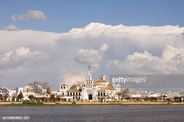 Spain, monastery of El Rocio, view across lake