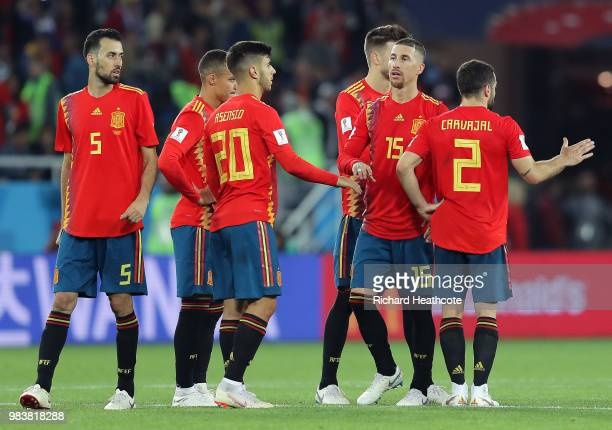 Spain players celebrate after the 2018 FIFA World Cup Russia group B match between Spain and Morocco at Kaliningrad Stadium on June 25 2018 in...
