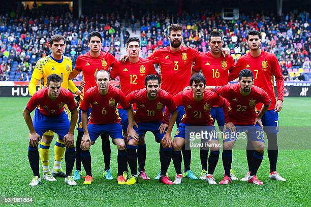 Spain players pose for a team picture before the kickoff during an international friendly match between Spain and Korea at the Red Bull Arena stadium...