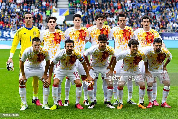 Spain players pose for a team picture during an international friendly match between Spain and Bosnia at the AFG Arena on May 29 2016 in St Gallen...