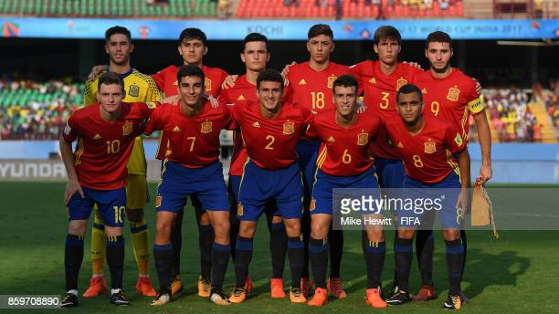 Spain pose for a team photo ahead of the FIFA U17 World Cup India 2017 group D match between Spain and Niger at the Jawaharlal Nehru International...
