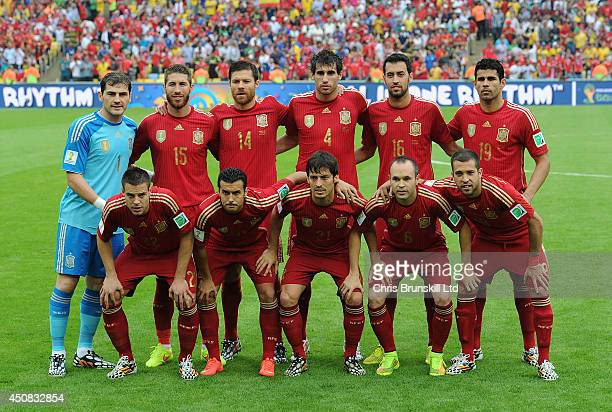 Spain poses for a team photograph during the 2014 FIFA World Cup Brazil Group B match between Spain and Chile at Maracana Stadium on June 18 2014 in...