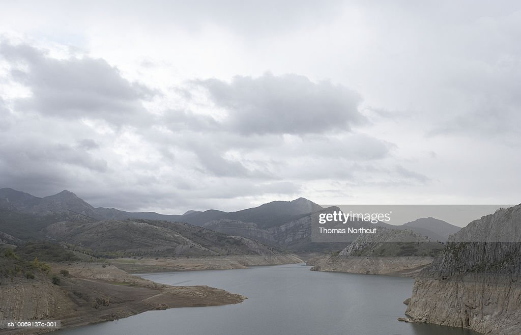 Spain, rock formations and San Vincente river : Stockfoto