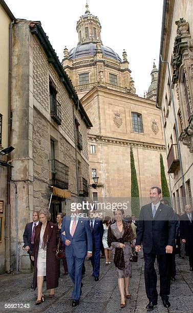 Spain's Queen Sofia King Juan Carlos Mexican first lady Marta Sahagun and husband Vicente Fox head the group of Latin American leaders as they stroll...