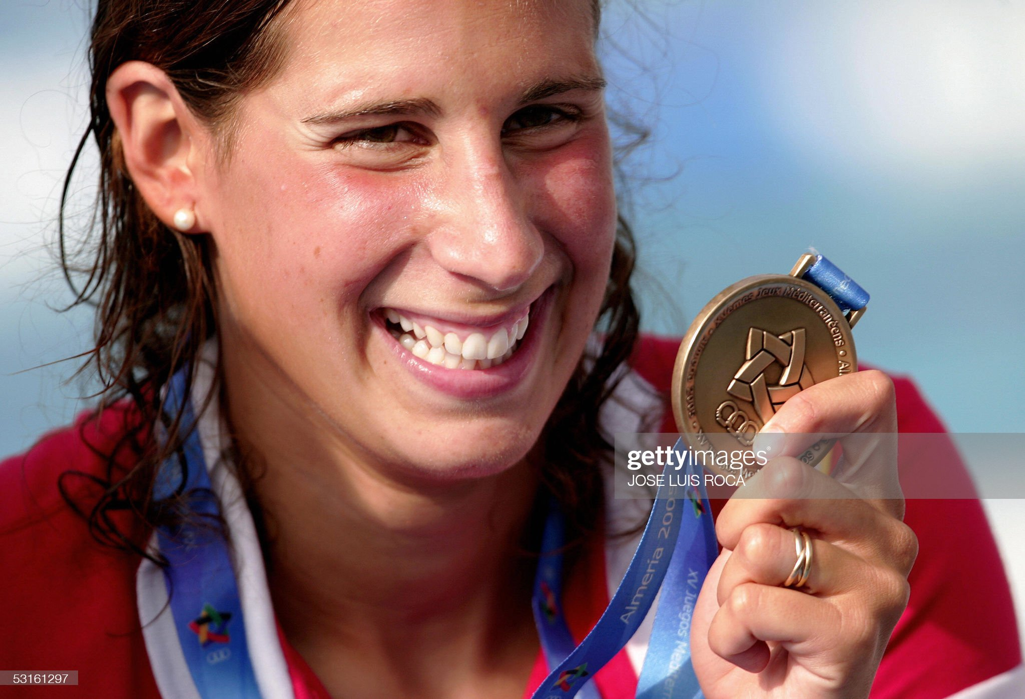 Spanish Erika Villaecija shows her gold : Fotografía de noticias