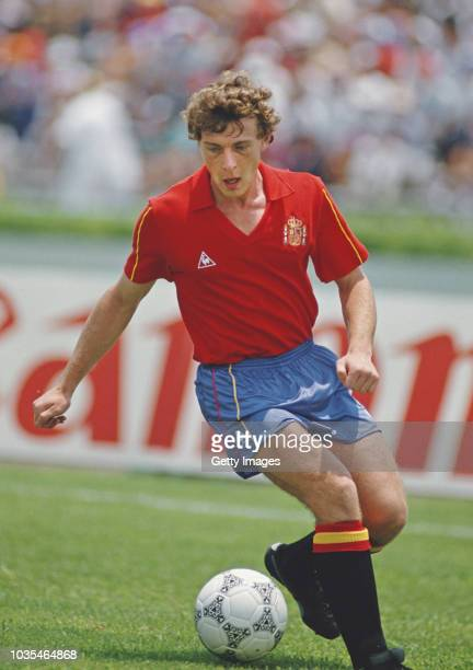 Spain striker Emilio Butragueño in action during a 1986 FIFA World Cup Group match against Algeria at Monterrey on June 12 1986 in Mexico