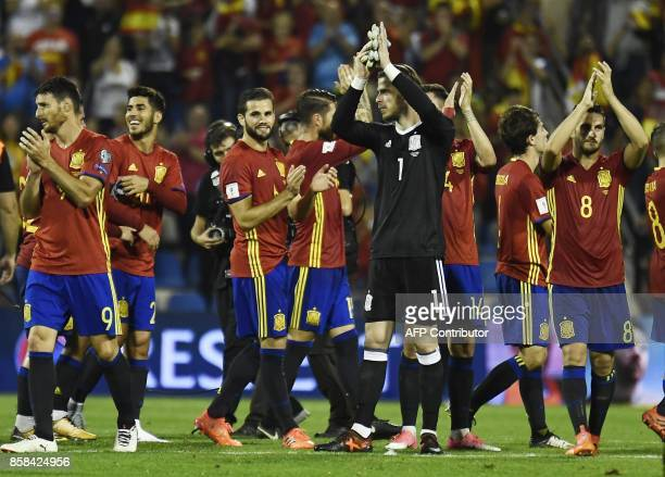 Spain team applaud at the end of the World Cup 2018 qualifier football match Spain vs Albania at the Jose Rico Perez stadium in Alicante on October 6...
