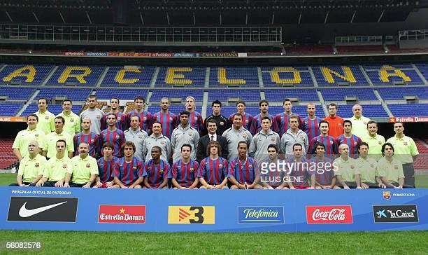 The Barcelona squad Reserve goalkeeper Albert Jorquera Juliano Beletti Mark Van Bommel Rafael Marquez Maxi Lopez Victor Valdes Edmilson Oleguer...