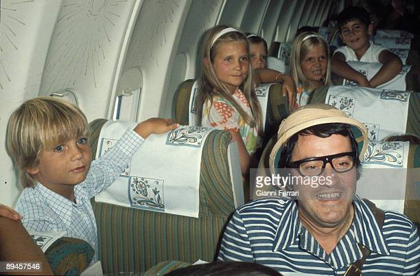 1973 Spain The children of the princes of Spain seeing in an airplane a spectacle of the comedians 'The Chiripitiflauticos'