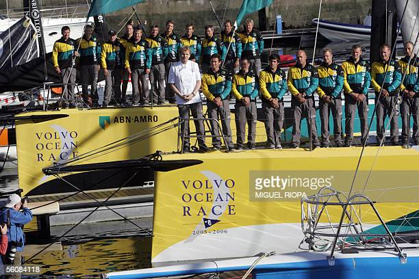 The crews of the ABN AMRO 1 and 2 are pictured during a photocall with British celebrity chef Gordon Ramsey in Sanxenxo 04 November 2005 northwestern...