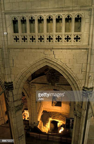 Spain. Vitoria. Cathedral of Santa Maria . Archaeological restoration of the cathedral. Arc of the central area with cracks.
