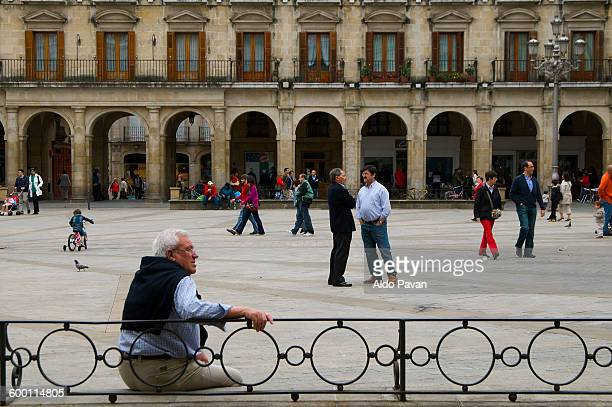 spain, vitoria, plaza mayor - vitoria spain stock pictures, royalty-free photos & images