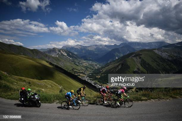 TOPSHOT Spain's Alejandro Valverde Netherlands' Robert Gesink Russia's Ilnur Zakarin and Norway's Amund Grondahl Jansen ride a counter attack during...