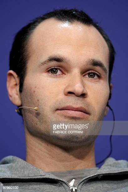 Spain's Andres Iniesta attends a press conference prior to the FIFA World Player Gala 2009 on December 21 2009 in Zurich AFP PHOTO / FABRICE COFFRINI