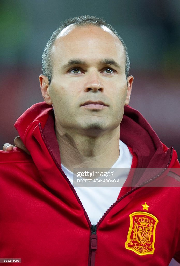 Spain's Andres Iniesta looks on prior to the FIFA World Cup 2018 qualifying football match betyween Macedonia and Spain at Philip II of Macedon stadium in Skopje on June 11, 2017. / AFP PHOTO / Robert ATANASOVSKI