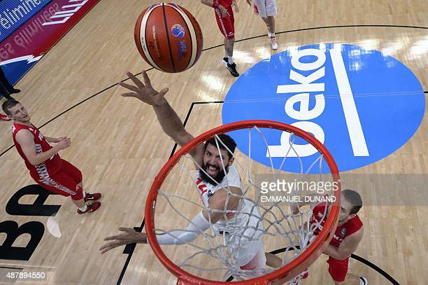Spain's center Nikola Mirotic goes to the basket during the round of 16 basketball match between Spain and Poland at the EuroBasket 2015 in Lille...