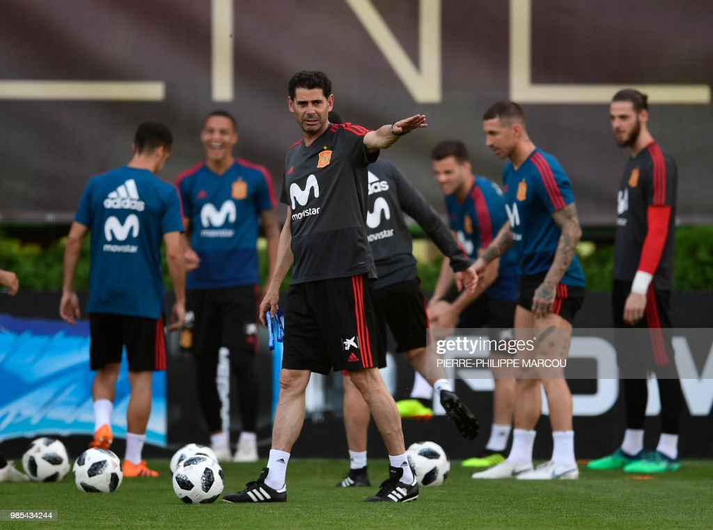 FBL-WC-2018-ESP-TRAINING : News Photo