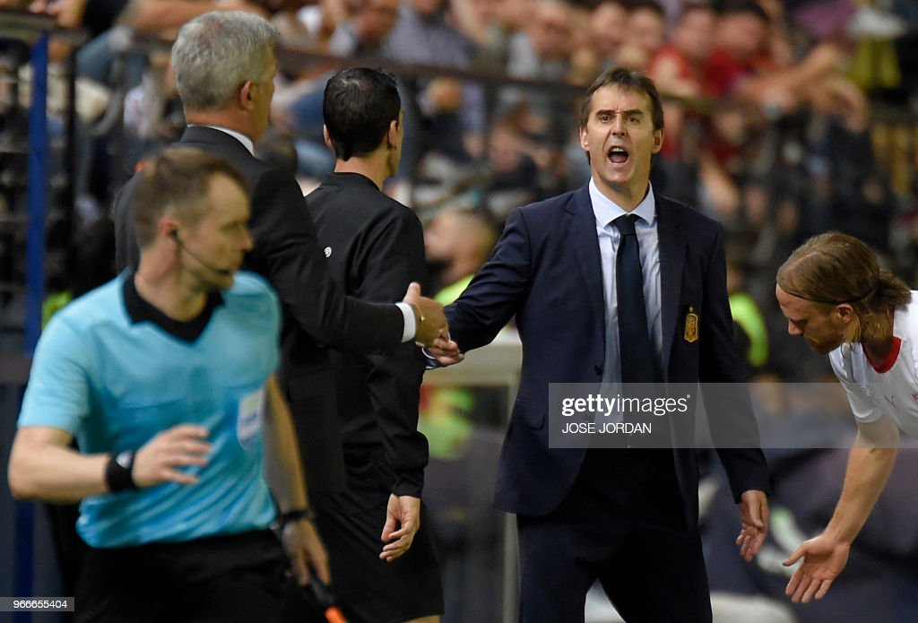Spain's coach Julen Lopetegui shouts during the international friendly football match between Spain and Switzerland at La Ceramica stadium in Vila-real on June 3, 2018.