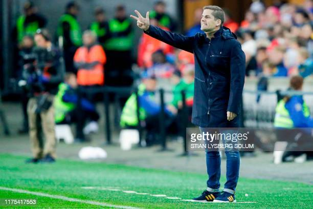 Spain's coach Robert Moreno Gonzalez reacts during the Euro 2020 qualifying football match Norway v Spain in Oslo Norway on October 12 2019 / Norway...