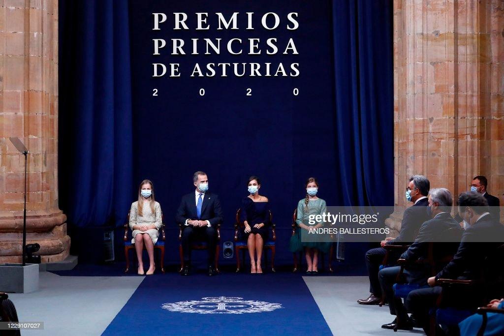 SPAIN-ASTURIAS-AWARDS-ROYALS : News Photo