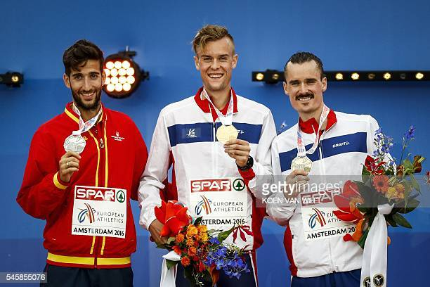 Spain's David Bustos Norway's Filip Ingebrigtsen and Norway's Henrik Ingebrigtsen pose during the medal ceremony of the men's 1500m of the European...
