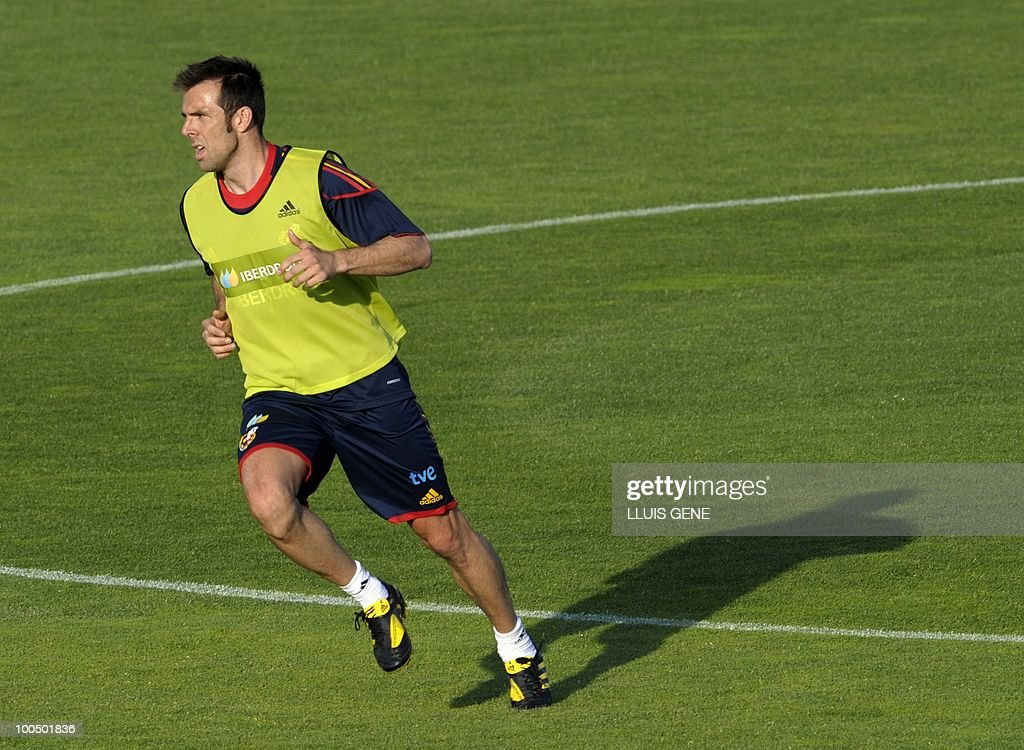 Spain's defender Carlos Marchena takes part in a training session of the Spanish football team with Spain's Prince Felipe on May 24, 2010, at the Sports City of Las Rozas, near Madrid. Spain, among the favourites for the World Cup, which runs from June 11-July 11, face Switzerland, Honduras and Chile in Group H of the opening round.