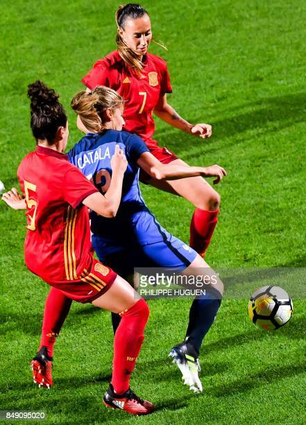 Spain's defender Ivana Andres vies with France's midefielder Camille Catala during their friendly football match France vs Spain on September 18 2017...