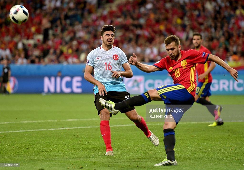 FBL-EURO-2016-MATCH21-ESP-TUR : News Photo