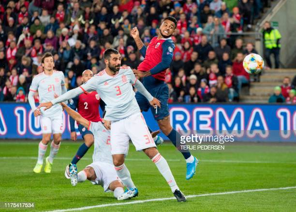 Spain's defender Raul Albiol and Norway's forward Joshua King vie for the ball during the Euro 2020 qualifying football match Norway v Spain in Oslo...