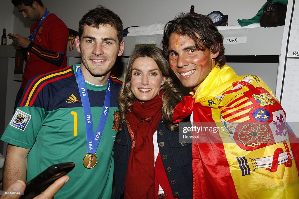 Spanish Royals Celebrate World Cup Final with Spanish Football Team : ニュース写真