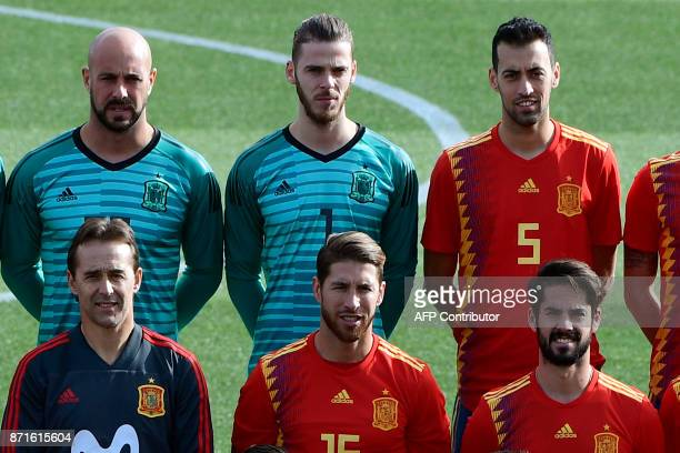 Spain's goalkeeper Pepe Reina de Spain's goalkeeper David de Gea Spain's midfielder Sergio Busquets Spain's coach Julen Lopetegui Spain's defender...