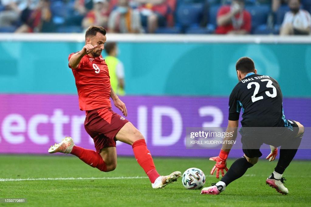 FBL-EURO-2020-2021-MATCH45-SUI-ESP : News Photo