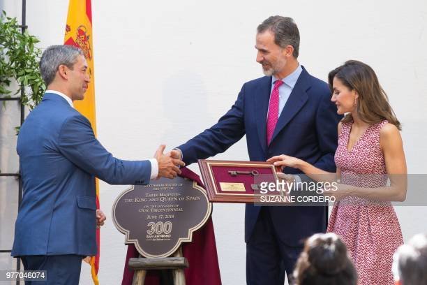 Spain's king Felipe VI and his wife queen Letizia receive the keys to the City of San Antono which was presented by Mayor Ron Nirenberg at the...