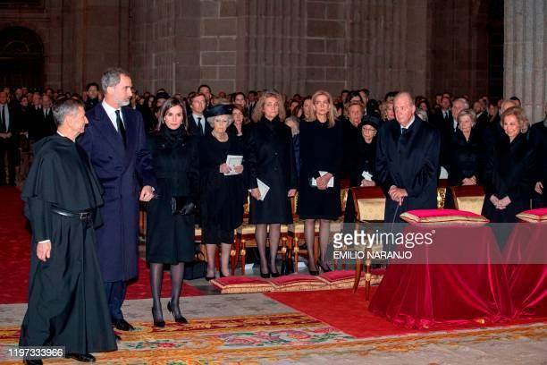 Spain's King Felipe VI Queen Letizia Princess Beatrix of the Netherlands infanta Elena of Spain infanta Cristina of Spain Sofia of Spain and Spain's...