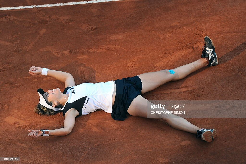 Spain's Maria Jose Martinez Sanchez celebrates after defeating Serbia's Jelena Jankovic during the final of the WTA Rome Open on May 8, 2010. Martinez Sanchez won 7-6, 7-5.
