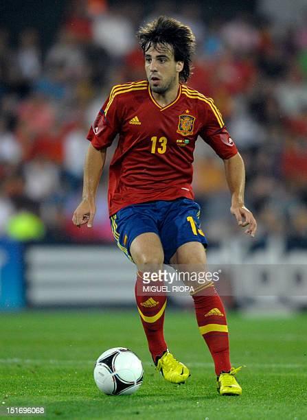 Spain's midfielder Benat Etxebarria controls the ball during the friendly football match Spain vs Saudi Arabia at the Pasaron Stadium in Pontevedra...