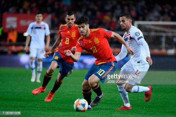 Spain's midfielder Marco Asensio controls the ball during the Euro 2020 group F qualifying football match between Spain and Norway at the Mestalla...