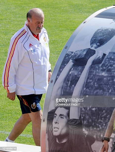 Spain's national football team coach Vicente del Bosque arrives for a training session on June 6 2010 at the Sports City of Las Rozas near Madrid...