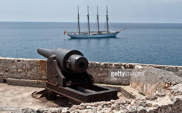 Spain's Navy training ship Juan Sebastian de Elcano remains in front of Havana on May 8 waiting to dock for a fiveday visit to this country AFP PHOTO